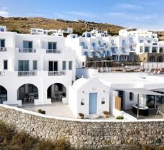 Manoulas Beach Mykonos Resort 1