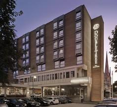 DoubleTree by Hilton Bristol City Centre 1