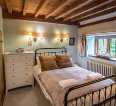 Meadow Cottage Guest House 1