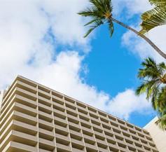 Ambassador Hotel Waikiki 2