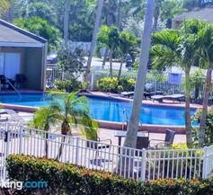 Relax in Condo Near Siesta Beach 1 2