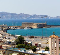 Sea View Chic & Minimal Flat over Heraklion Harbour 1
