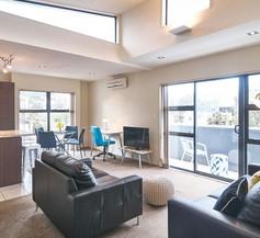 Carlton Villa 3 - Christchurch Holiday Homes 1