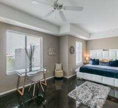 BC-522: Channelside Luxury Apartment 2