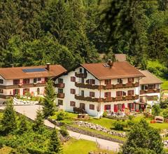 Bayern Resort Hotel garni & Apartments 2