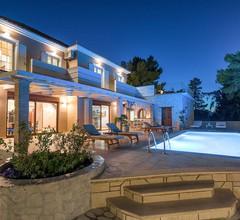 Castelli Luxury Villa 1