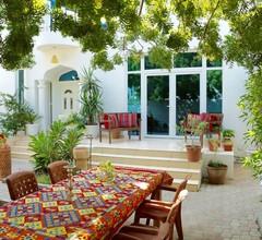 Behlys Villa 1