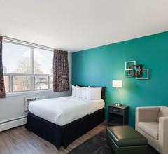 LES Hotel & Suites 1