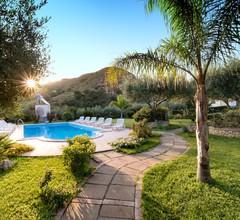 Villa Garden 2