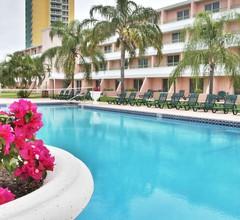 Castaways Resort and Suites 1