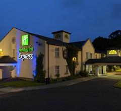 Holiday Inn Express Glenrothes 2