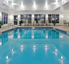 Holiday Inn Express & Suites BUFFALO 2