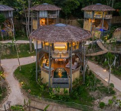 TreeHouse Villas - Adults Only 2