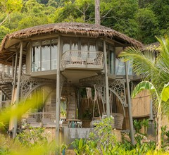 TreeHouse Villas - Adults Only 1