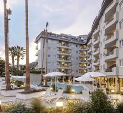 Aqua Hotel Montagut Suites 2