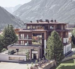ARX Hotel & Restaurant 2