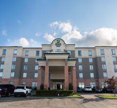 Holiday Inn Express & Suites Brampton 1