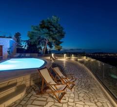 Castelli Luxury Villa 2