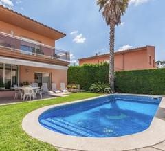 Große Villa mit Eigenem Pool in Ventalló- Katalonien 1