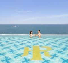 Mandila Beach Hotel DaNang 1