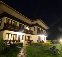 HIMALAYAN DRAGON'S NEST HOTEL 1