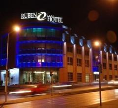 Ruben Hotel 2