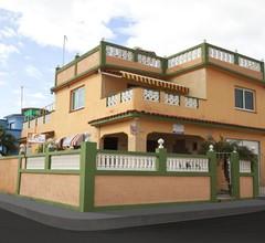Hostal Olivia. Boca De Camarioca 1