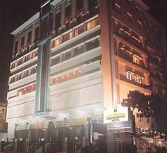 Vishwaratna Hotel 1