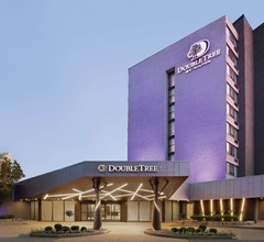 DoubleTree by Hilton Toronto Airport West 1