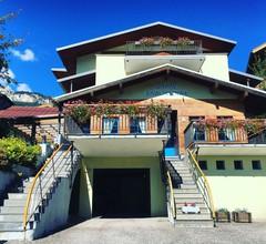 Hotel Garni Enrosadira 2