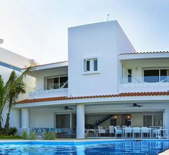 Casa Caleta- Surrounded by Nature- Ideal for Large Groups 1