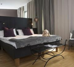 Hotel by Maude Solna 2