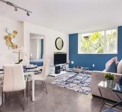 Downtown LA Luxury Two Bedroom Apartment 1