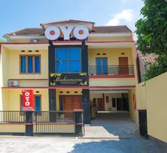 OYO 895 Mahameru Residence 1