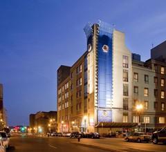 DoubleTree by Hilton Boston - Downtown 1
