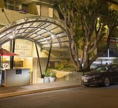 Le Parc Suite Hotel 1