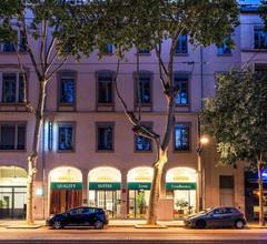 Quality Suites Lyon Confluence 1
