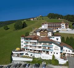 Kronplatz-Resort Hotel Kristall 1