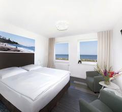 Beach Hotel California 1