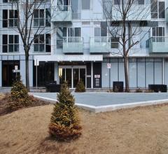 Livingsuites Toronto - Front & John 2