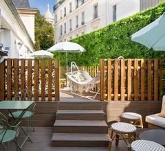 Le Village Montmartre by Hiphophostels 1