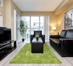Livingsuites Toronto - Front & John 1
