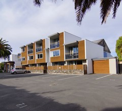 Sumner Bay Motel & Apartments 2