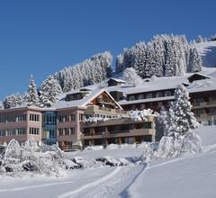 Ferien- und Familienhotel Alpina 1
