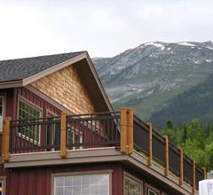Lush Mountain Accommodations 2