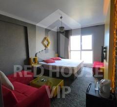 Red House Vip Apartmant Suites 2