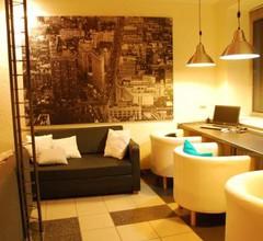 Royal Hostel 905 2