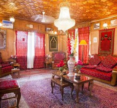 The Badyari Palace Houseboat's 1