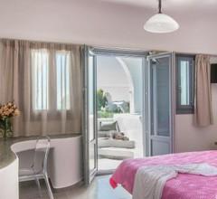 Aspronisi Luxury Villa with Caldera View 2