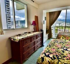 Jenny's Cottage Waikiki 2